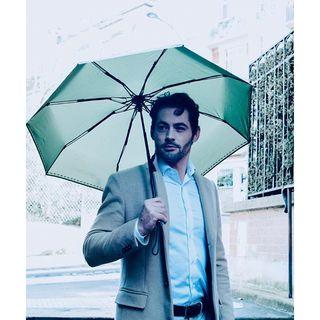 Le ciel est pluvieux et ombrageux ce matin ? Beau Nuage n'en a que faire ! Notre objectif => vous apprendre à aimer la pluie, même le lundi ! 🤵🏻☔ .  Is it rainy and shady this morning? Beau Nuage doesn't give a damn! Our goal => to teach you to love the rain, even on Monday!🤵🏻☔ #beaunuage #monbeaunuage #mode #fashion #elegance #classe #happy #love #paris #londres #picoftheday #lookgoodfeelgood