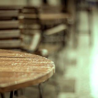 Plus que quelques jours pour cette année 2019 ! Ce fut une année riche en pluie et donc en parapluie ! Nous espérons que nos Beau Nuage vous ont apporté autant de joie qu'à nous. ☂ . 2019 is almost over! It was a year filled with rain and thus umbrellas! We hope that our Beau Nuage brought you as much joy as it did for us. ☂ .  #beaunuage #monbeaunuage #parapluie #pluie #umbrella #rain