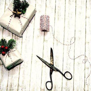 CALENDRIER DE L'AVENT BEAU NUAGE – JOUR 24 🎄 . C'est le dernier jour de notre calendrier ; nous avons passé un mois magnifique en votre compagnie ! C'est aussi le dernier jour pour faire ses cadeaux ! Vos parapluies sont prêts ? 🎁☂ . . BEAU NUAGE ADVENT CALENDAR – DAY 24 🎄 . It's the last day of our calendar, we spent a fantastic month with you! It's also the last day for you to make your Christmas presents! Are your umbrellas ready? 🎁☂ . .  #beaunuage #monbeaunuage #parapluie #pluie #umbrella #rain #beaunuagepourtous #christmas #noel #calendar #calendrier #fêtes