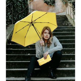 Portez du jaune pour égayer votre lundi ! 🌞  Nulle couleur n'est plus joyeuse que le jaune. Couleur du soleil, de la fête et de la joie, elle déclenche les sourires autour d'elle à coup sûr ! 😄👉🏽 Découvrez nos Beau Nuage de couleur jaune étoilé sur notre site : bit.ly/BoutiqueBN  Wear yellow to brighten up your Monday! 🌞 No colour is more cheerful than yellow. The colour of sunshine, celebration and joy, it is sure to bring smiles to the faces around it!  #happy #instapic #love #nature  #monbeaunuage #rain #fashionista