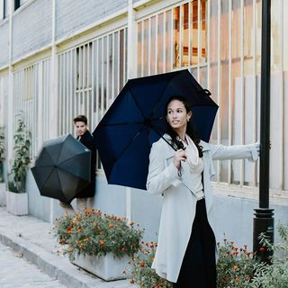 Chanter sous la pluie, c'est être heureux, tout simplement !� 🎵🌧 . �What a glorious feeling it is when Singing In The Rain! 🎵🌧 .  #beaunuage #monbeaunuage #parapluie #pluie #umbrella #rain #singingintherain #chantonssouslapluie #musical #comédiemusicale #inspiration