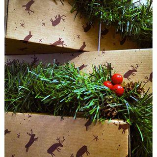 C'est l'heure de remballer les cartons après un Noël festivement pluvieux ! Nous espérons que vos packs de Noël auront eu leur petit succès ! 🎁☔ . It's Boxing Day! We hope that your Christmas Bundles were a success! 🎁☔ .  #beaunuage #monbeaunuage #parapluie #pluie #umbrella #rain #christmas #noel #calendrier #calendar #fêtes